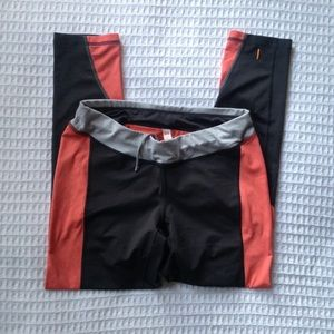 Lucy grey and peach active leggings size Small